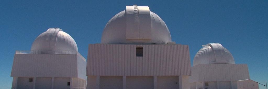 Le regard tourné vers nos origines : les télescopes d'Atacama.