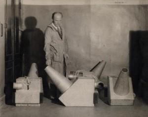 Les projecteurs du Clavilux, vers 1930.