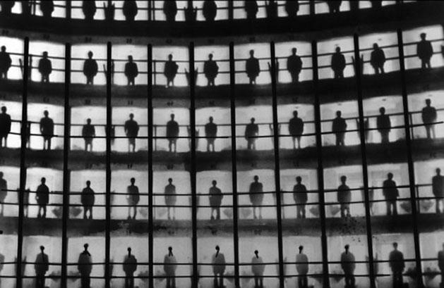 Dans la lumière, les prisonniers de Presidio Modelo à Cuba, 1926.